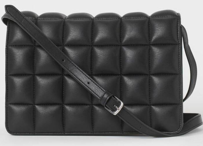 Bottega Veneta Padded Casette variant från H&M