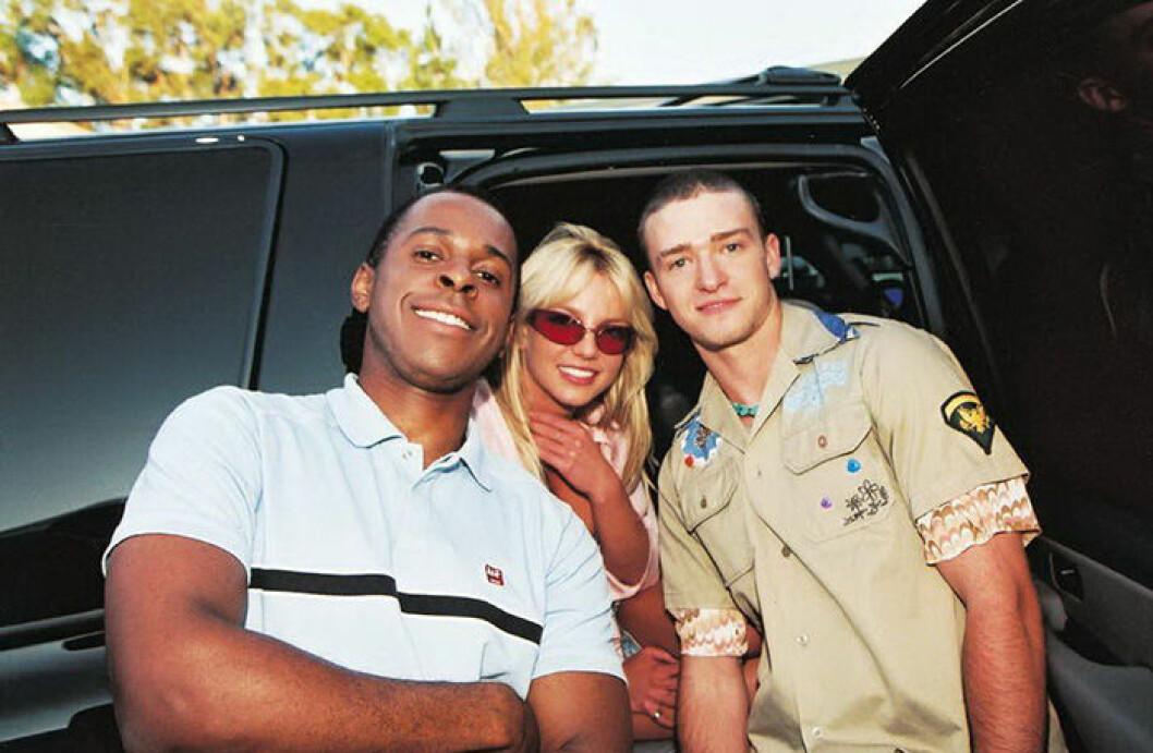 En bild på Andi Peters, Britney Spears och Justin Timberlake 2001.
