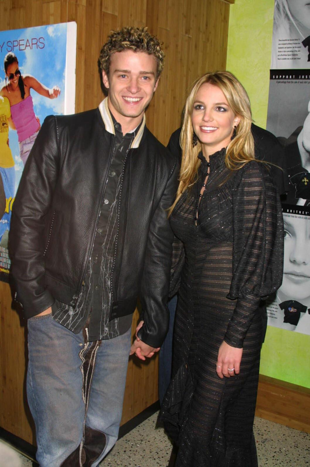 En bild på Britney Spears och Justin Timberlake, 2002, på efterfesten av filmen Crossroads.