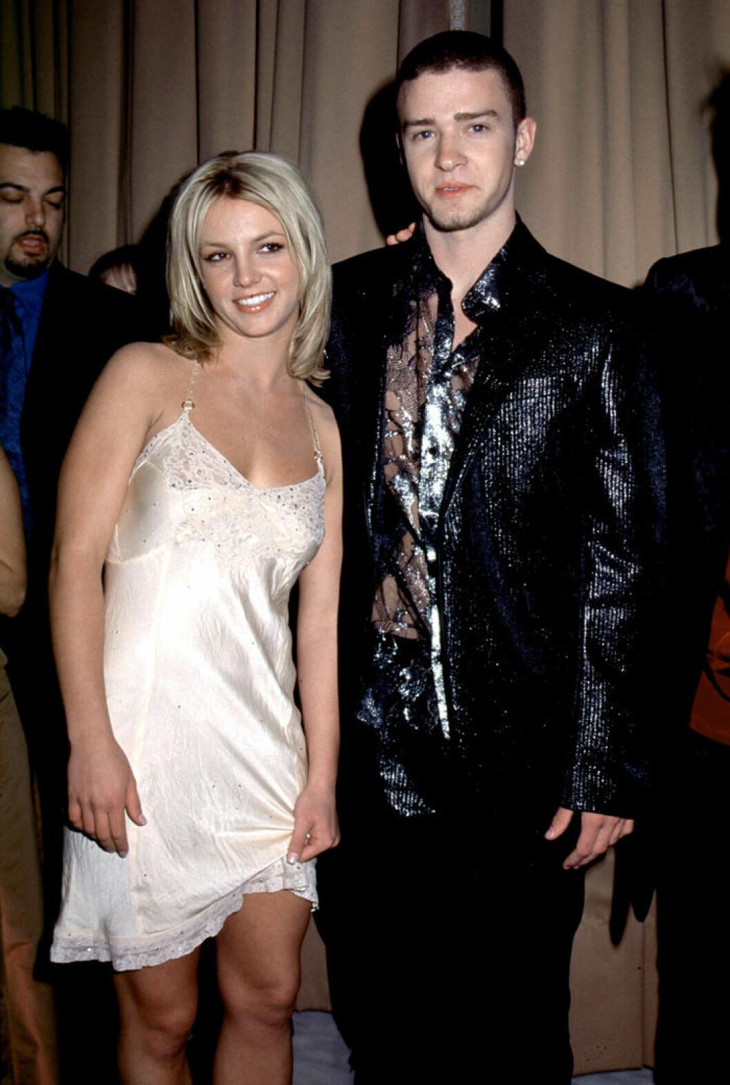 En bild på Britney Spears och Justin Timberlake, 2001.