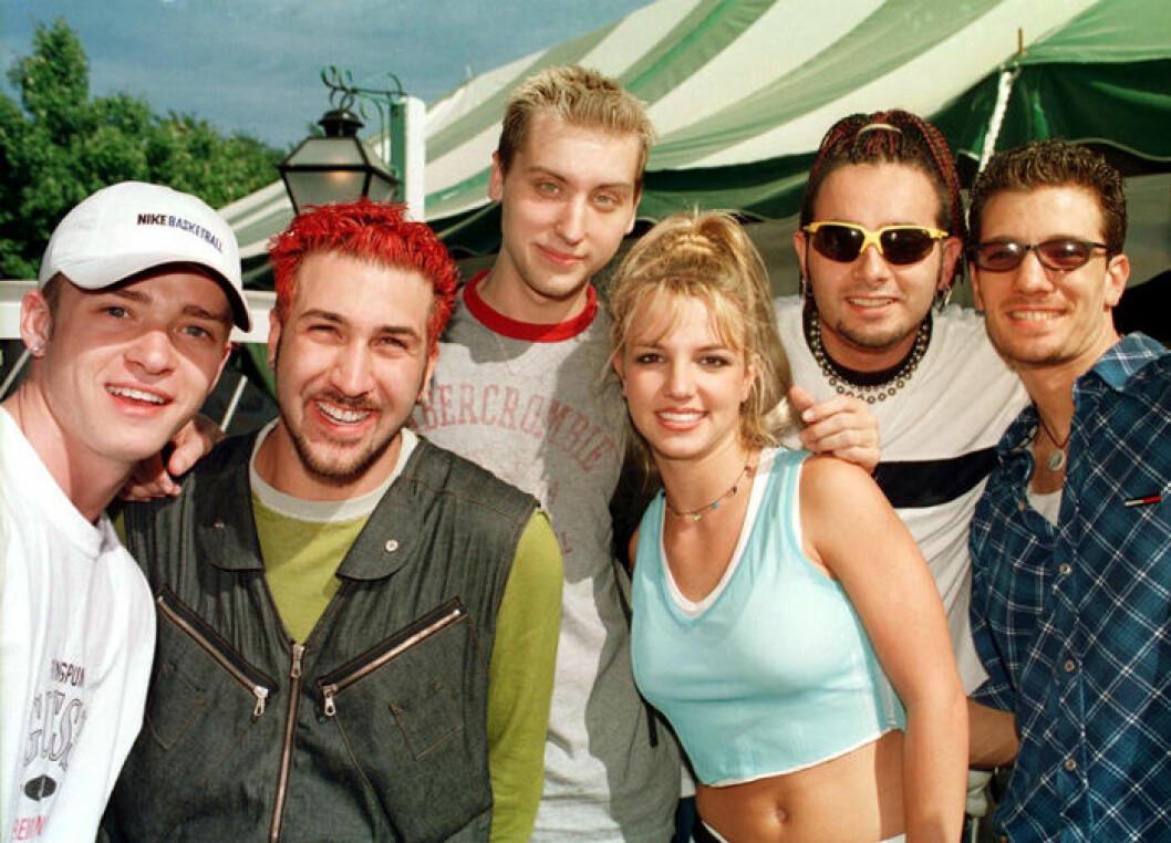 En bild på Britney Spears och NSYNC, 1999.