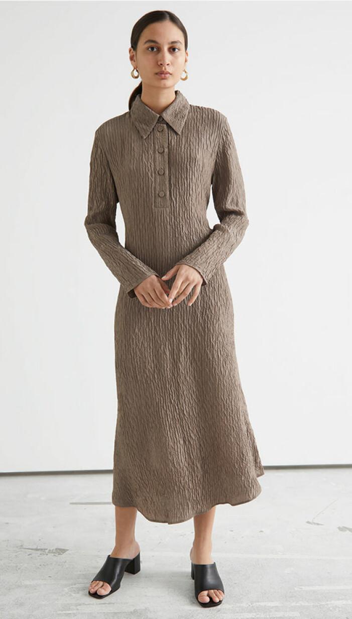 brun klänning jenny strömstedt nyhetsmorgon