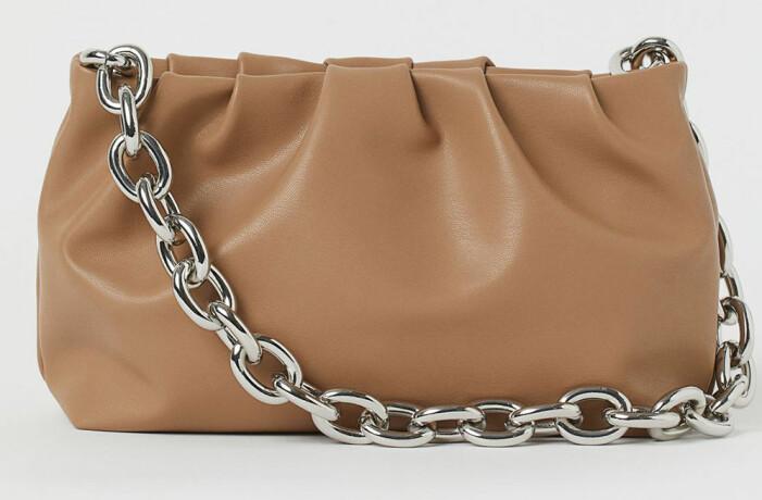 Bottega Veneta The Pouch med kedja, variant från H&M