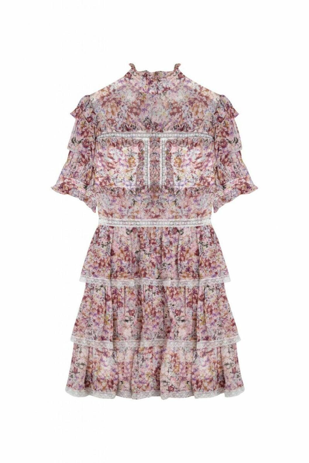 By Malina höstkollektion 2020: blommig spetsklänning