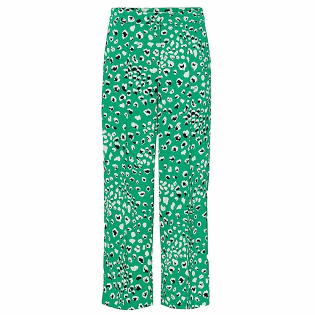 gröna byxor med mönster