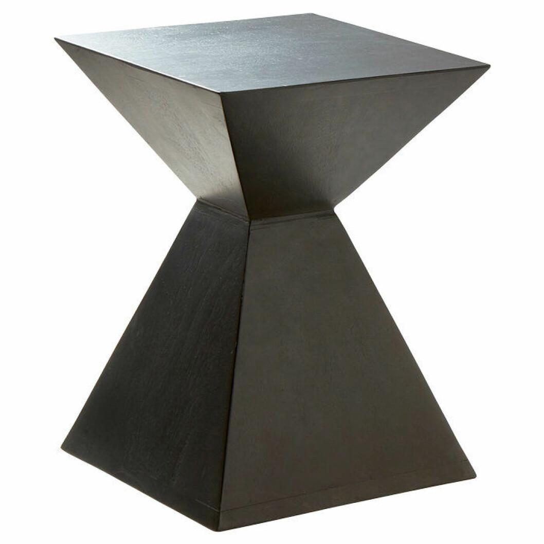 Geometriskt sängbord alternativt sidobord från Jotex