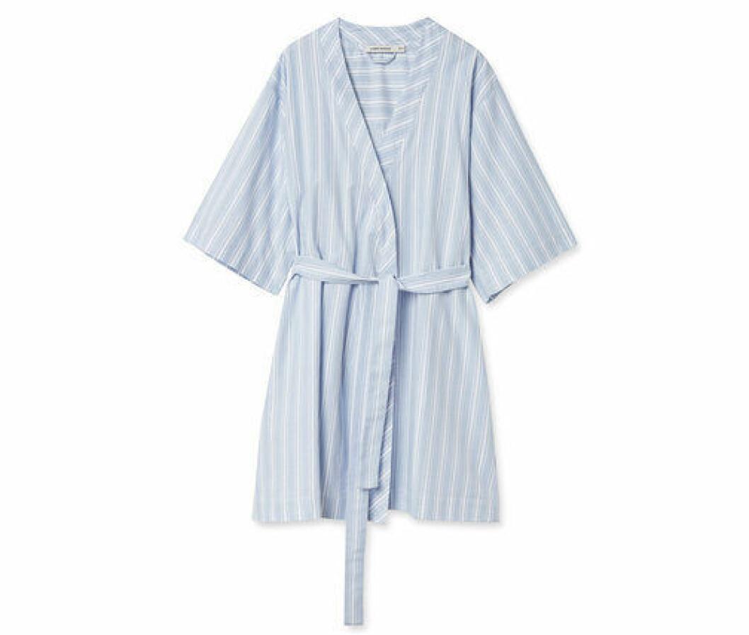 En bild på morgonrocken Carin Wester – Kimono Sanna som går att köpa på Åhlens.