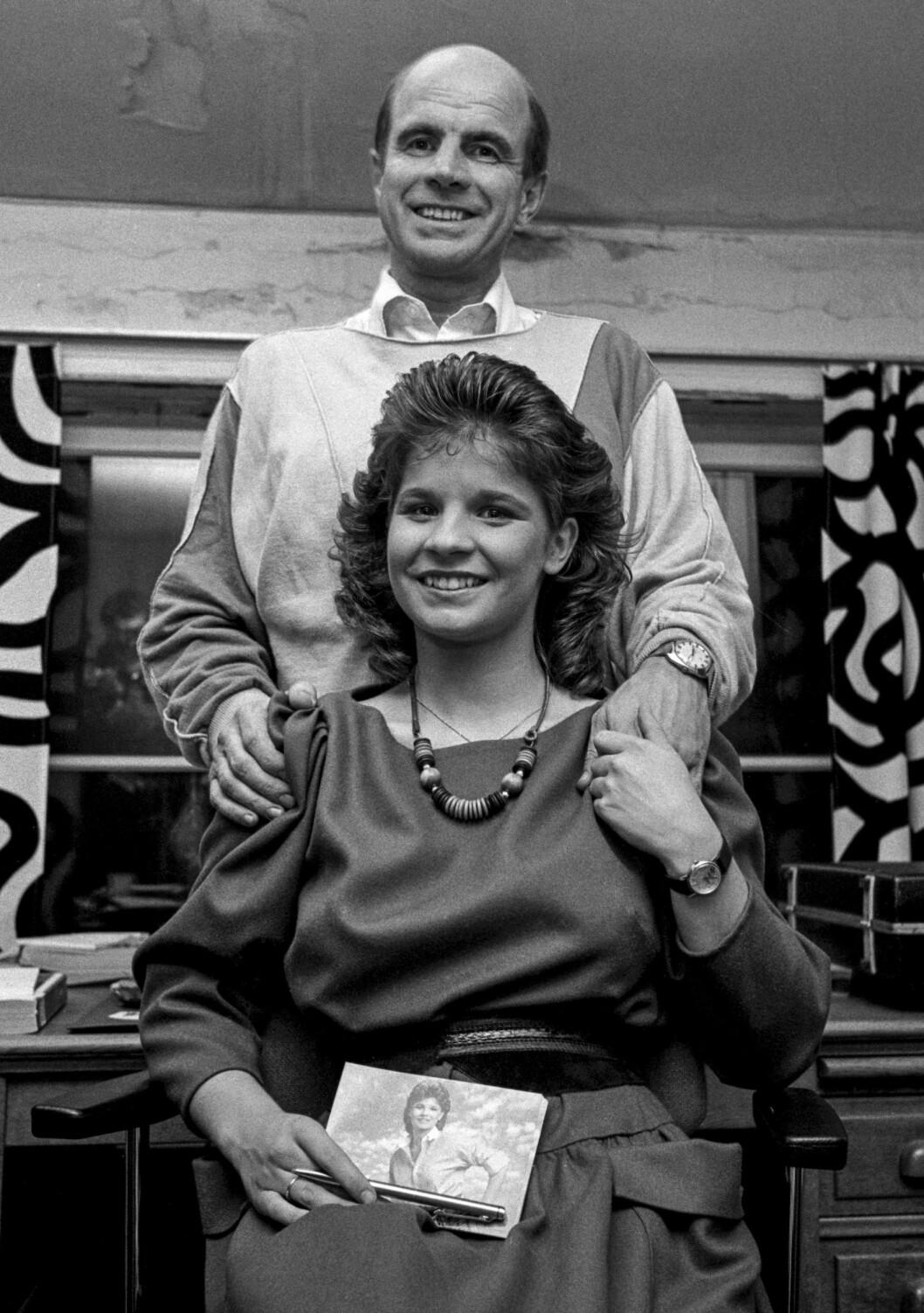 Carola tillsammans med pappa Jan 1983.