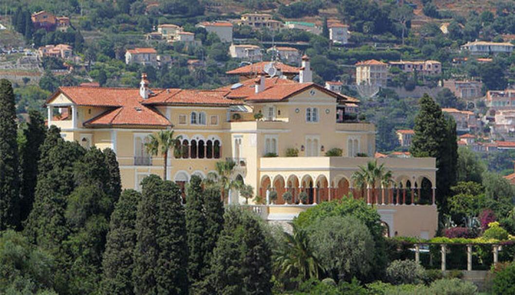 Villan rymmer en 50 meter lång pool och en trädgård på 14 hektar. Foto: Shutterstock