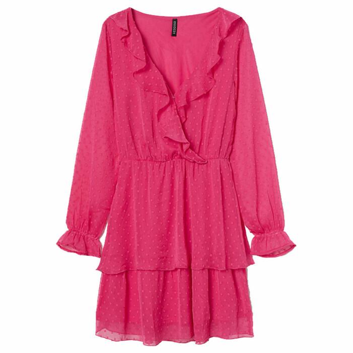 rosa chiffongklänning med volanger från H&M
