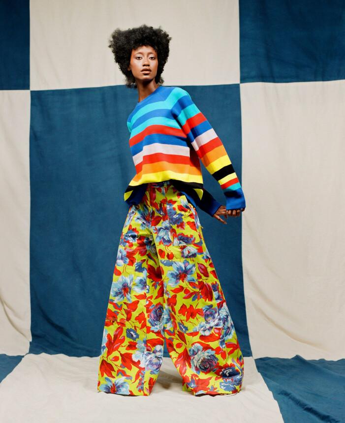 Christopher John Rogers bjöd på både färg- och mönsterexplosion under Paris fashion week.