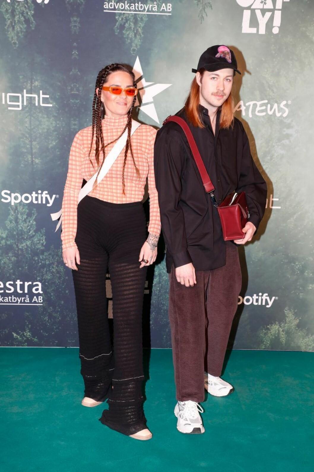 Cleo och Fricky på röda mattan på Grammisgalan 2020