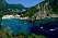 Byn Paleokastritsa på Korfu.