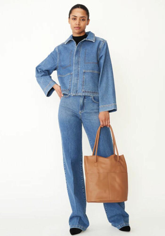 set med jeansjacka och jeans från Carin Wester