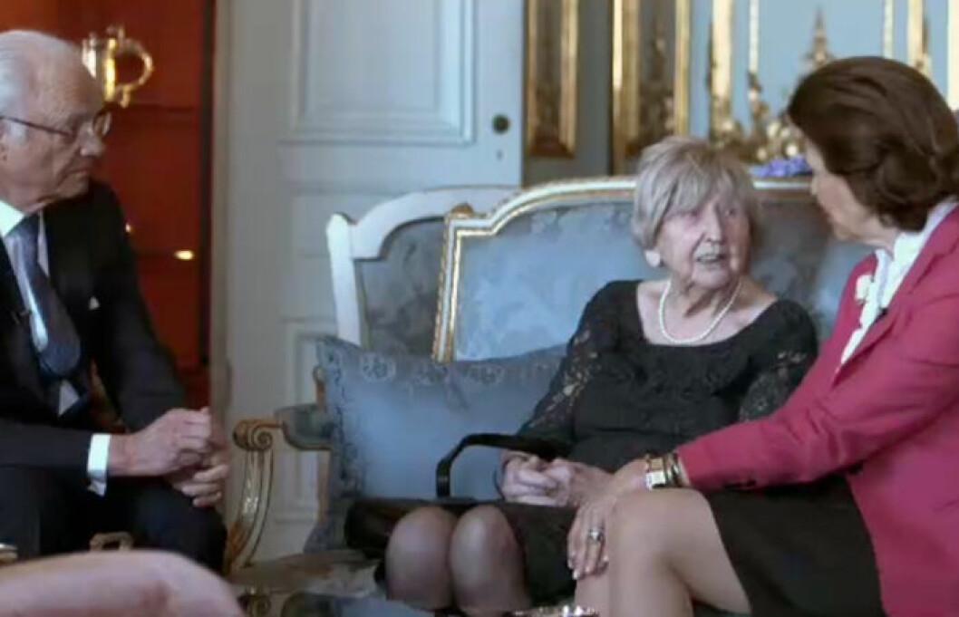 Dagny Carlsson besöker slottet i ny dokumentär