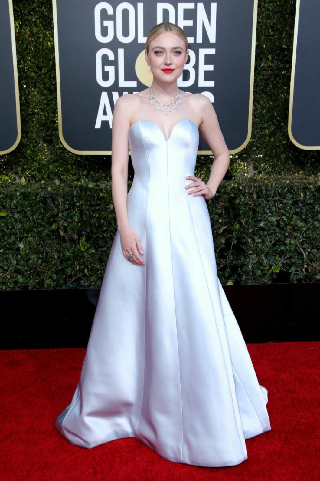 Dakota Fanning Golden Globe 2019