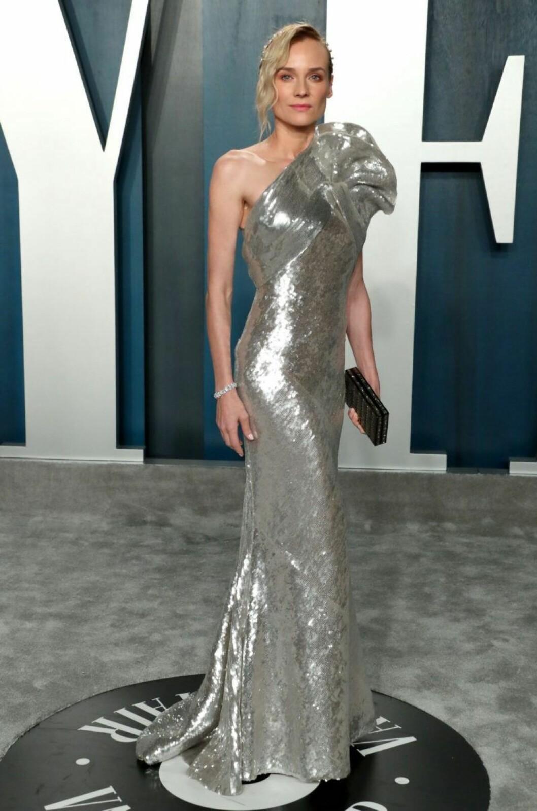 Diane Kruger i silvrig klänning