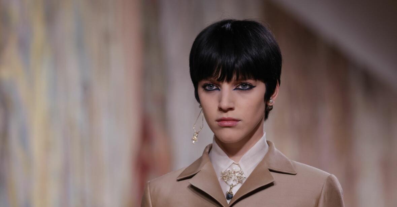 lång trendig lugg på Diors höstvisning