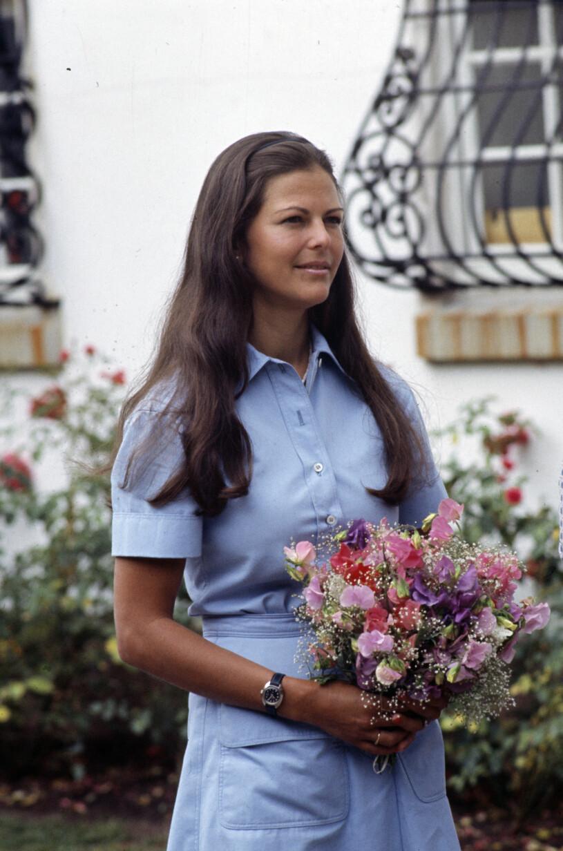 Drottning Silvia i blå klänning på Solliden 1976