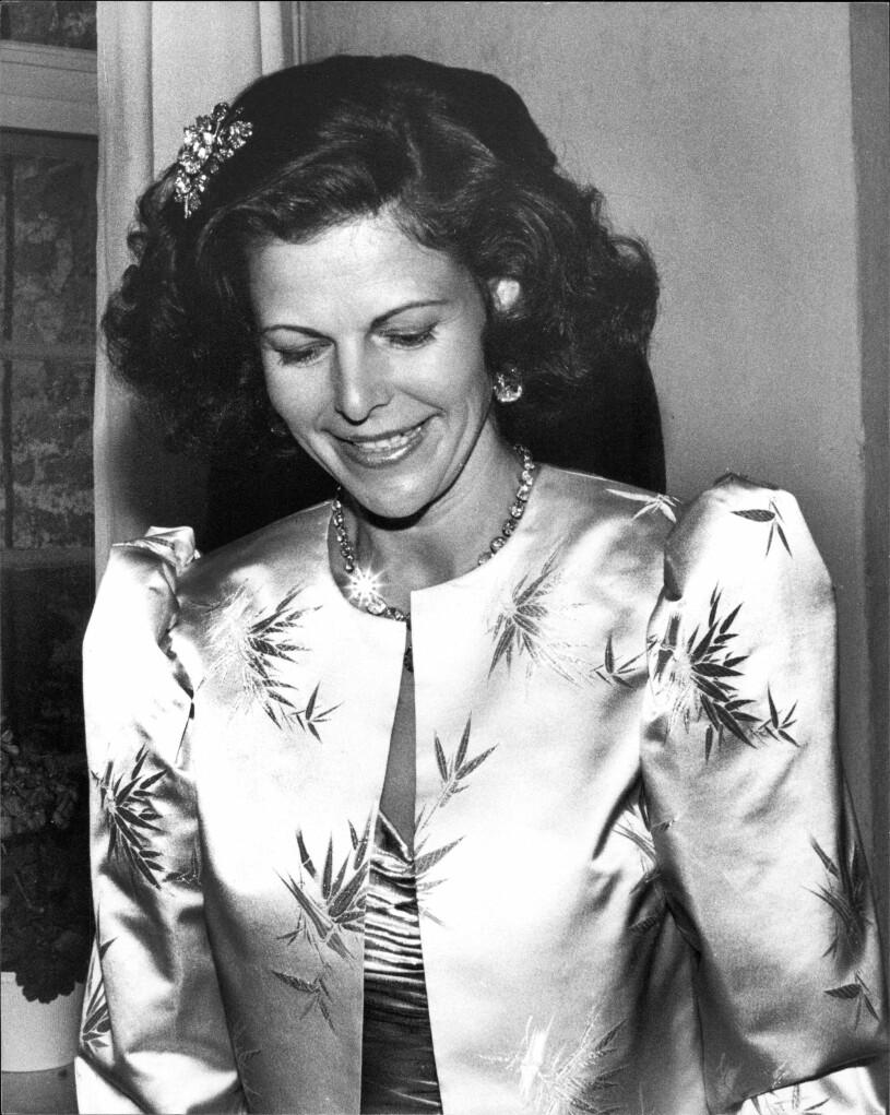 Drottning Silvia i snygg frisyr 1987