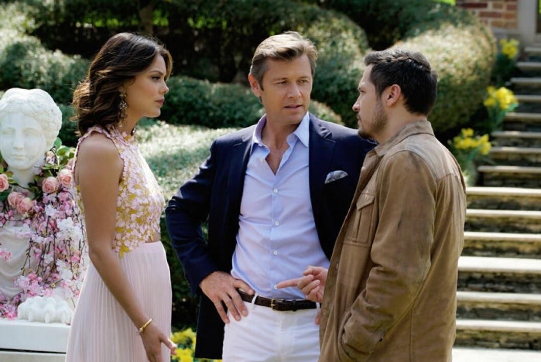 En bild från tv-serien Dynasty, som släpps på Netflix den 23 maj.