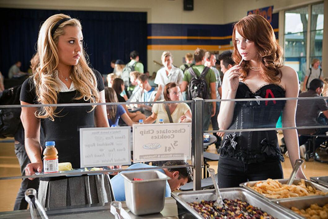 En bild från filmen Easy A med Emma Stone som finns på Netflix.