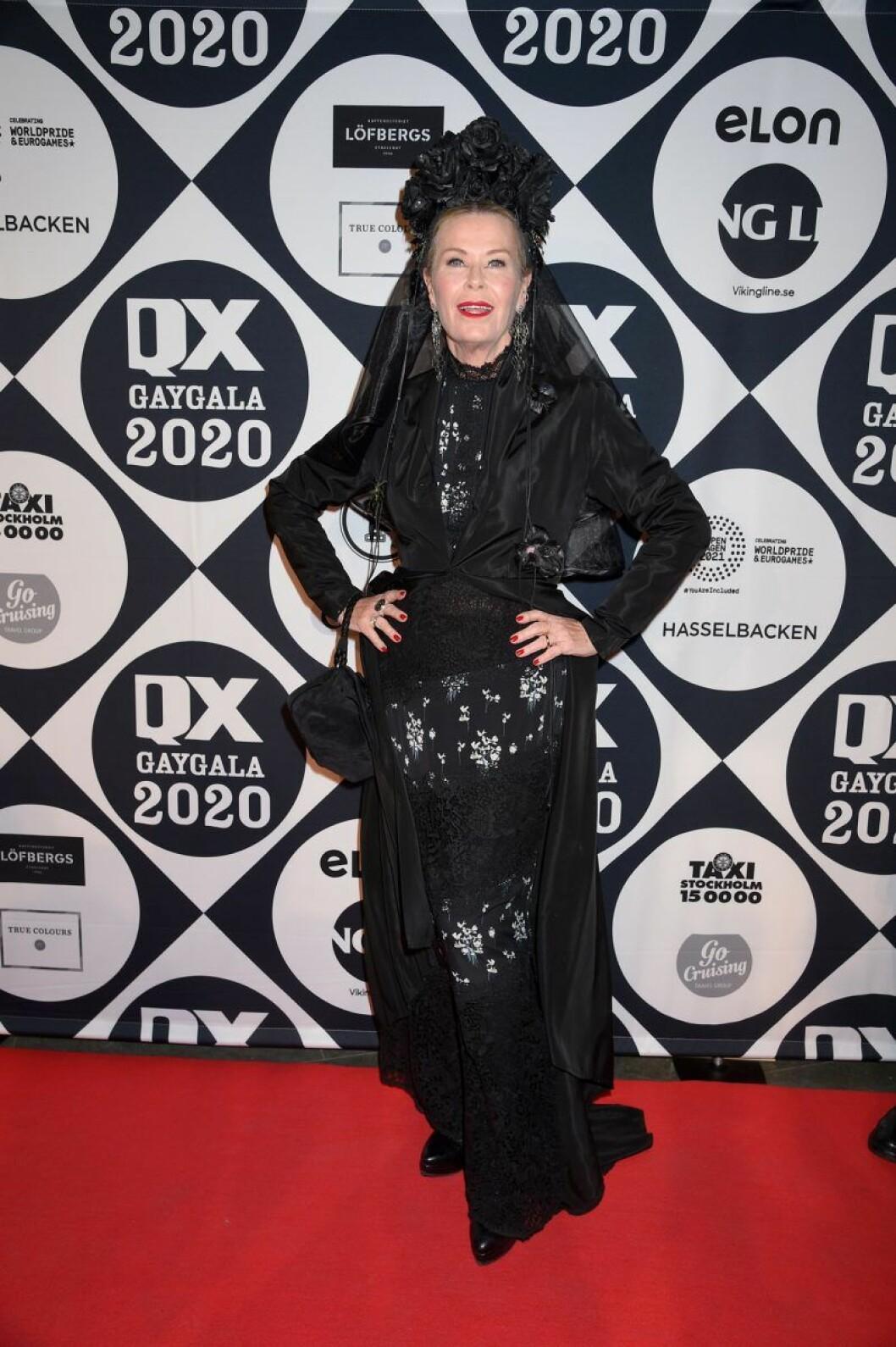 Efva Attling på röda mattan på QX-galan 2020