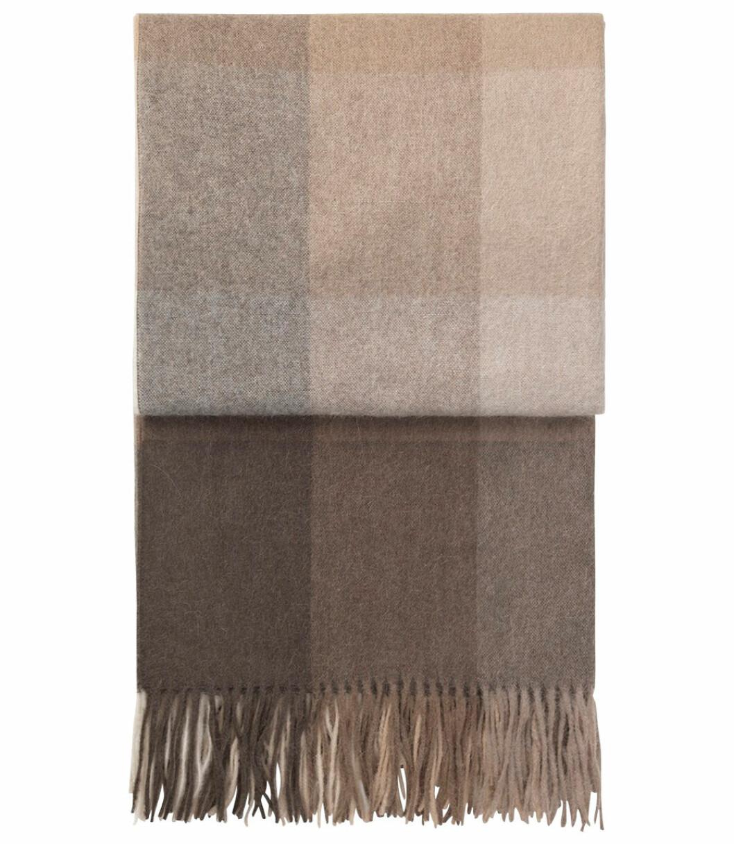 Storrutig beige och brun filt från Ellos Home