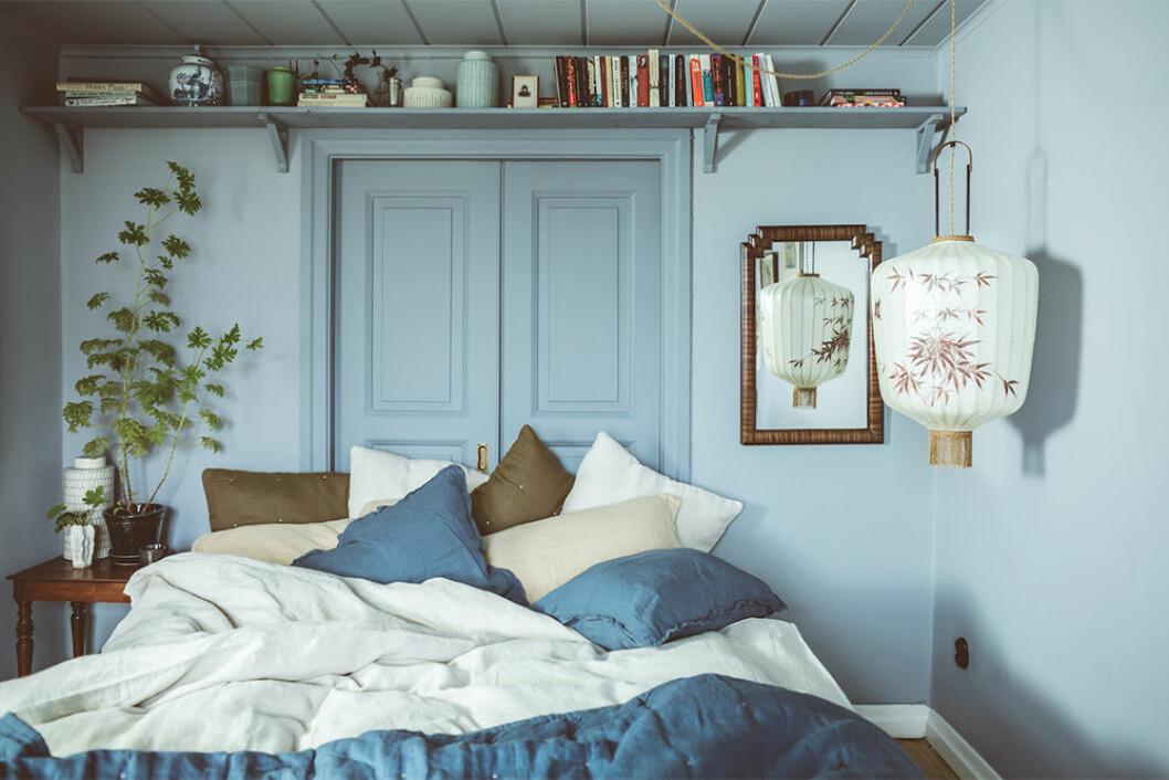 Sovrum med linnelakan i blått från Ellos Home