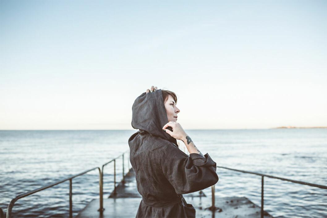 Morgonrock i linne för havsbad