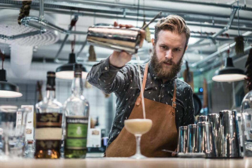 Emil Åreng bartender