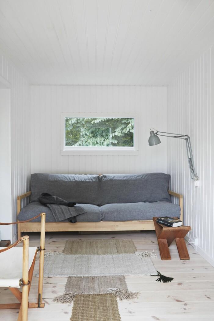 Vardagsrum i kolonistuga i Danmark