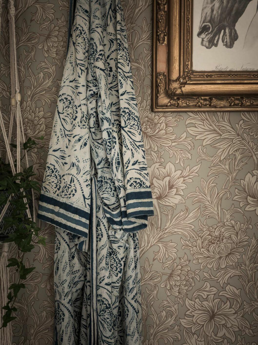 Lyxiga tavelramar finns ofta att fynda på loppisar och i vintagebutiker