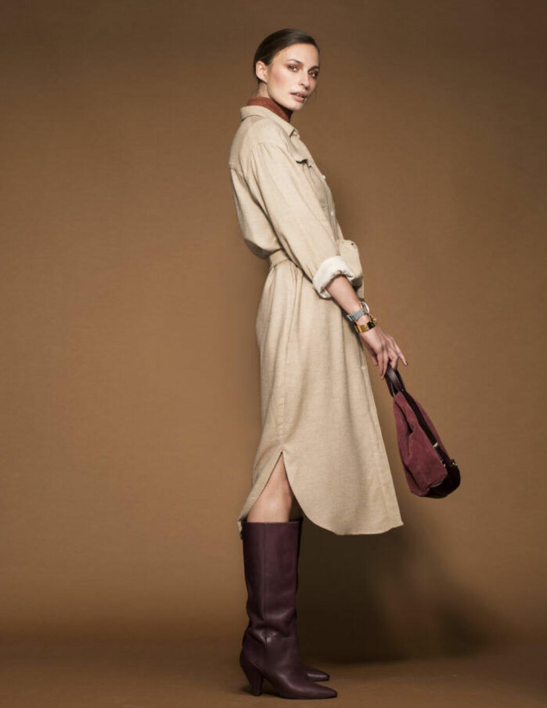 FEMINA MODE nr 13 2109 modell Lina i beige skjortklänning och bruna stövlar
