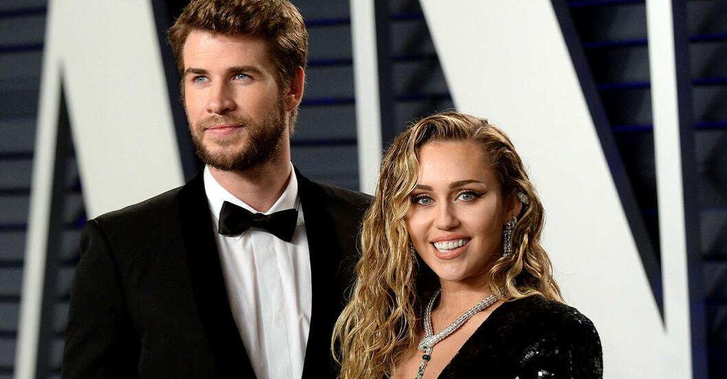 Miley Cyrus Liam Hemsworth.