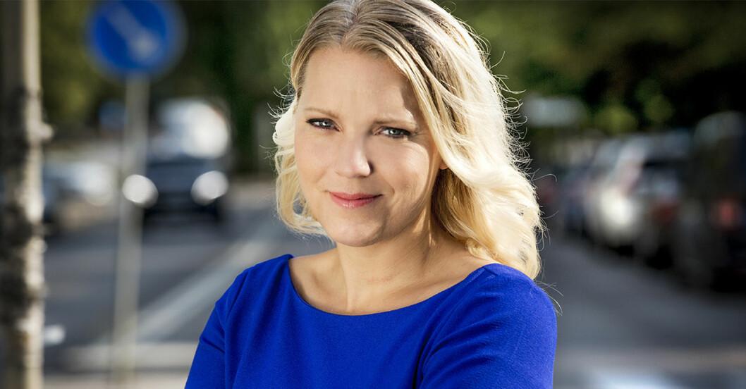 Carina Bergfeldt hotas till livet.