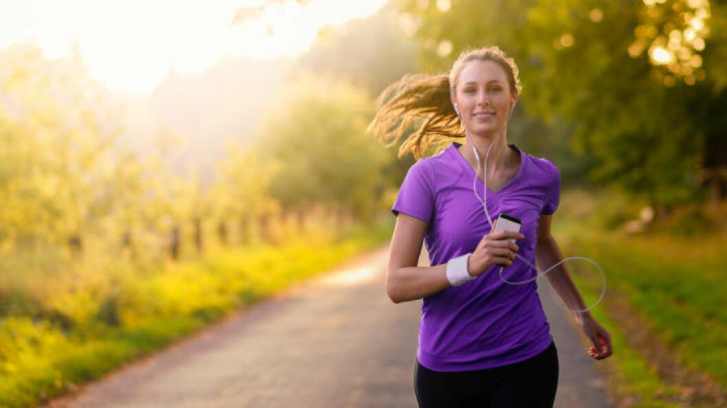 kvinna-springer