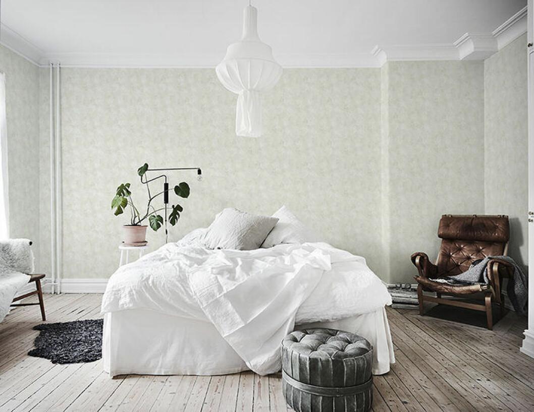 Flytta möbler rum emellan för att förnya hemmet utan att köpa nytt