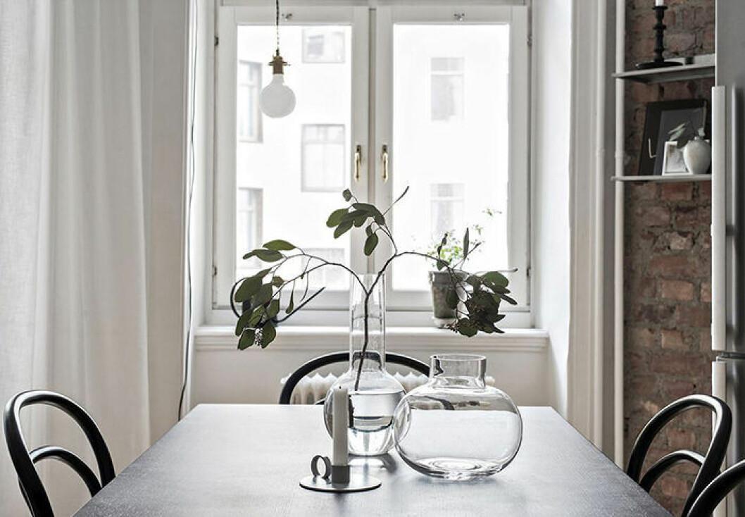 Förnya hemmet genom att plocka bort – istället för att lägga till dekorationer