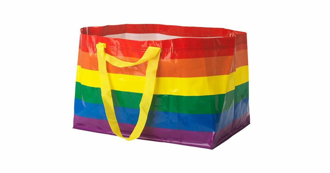 Frakta bärkasse i regnbågsfärger, en hyllning till Stockholm Pride.