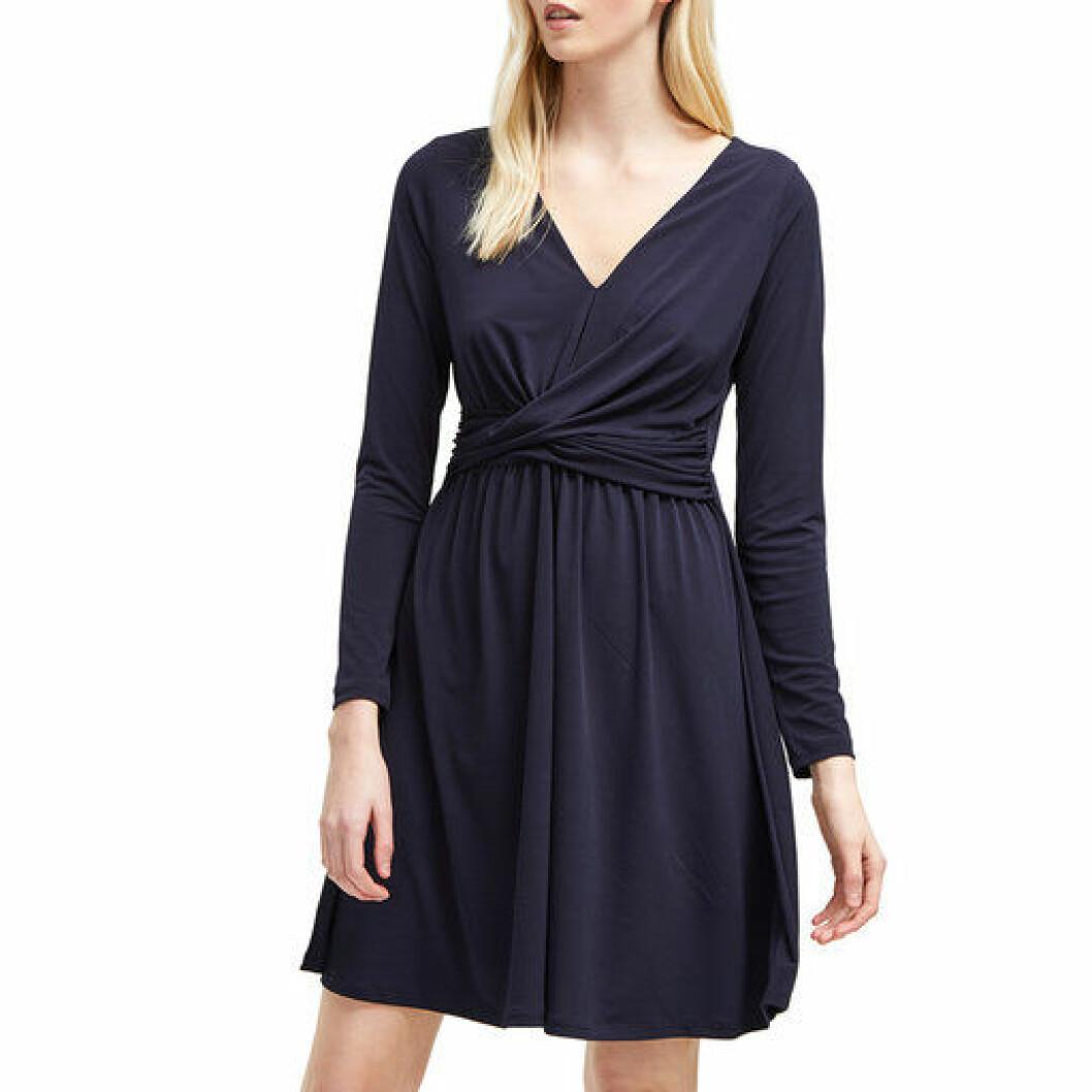 En bild på klänningen French Connection – Alexia Crepe Jersey Dress som finns att köpa på Åhléns.