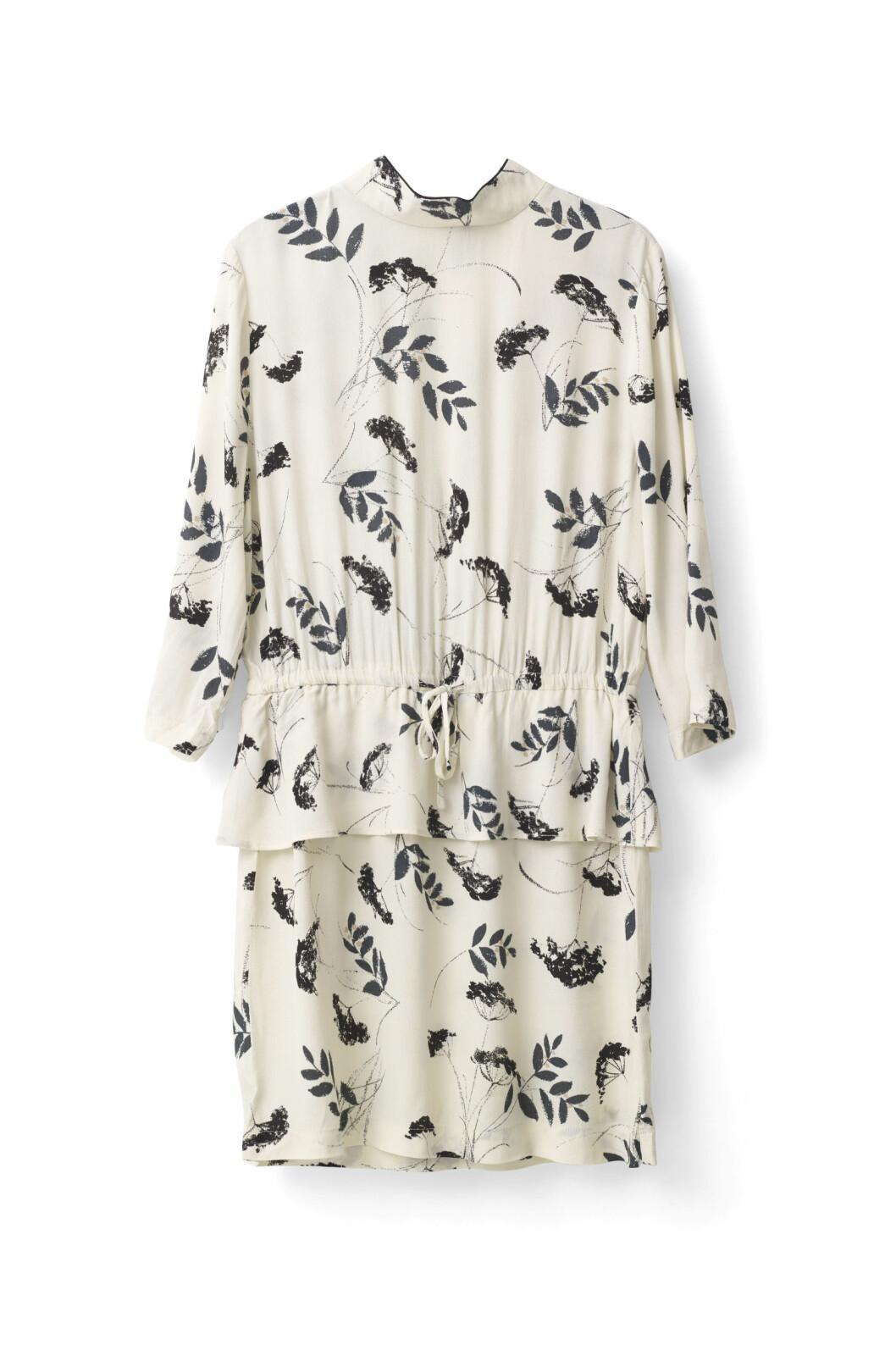 blommig-klänning-ganni