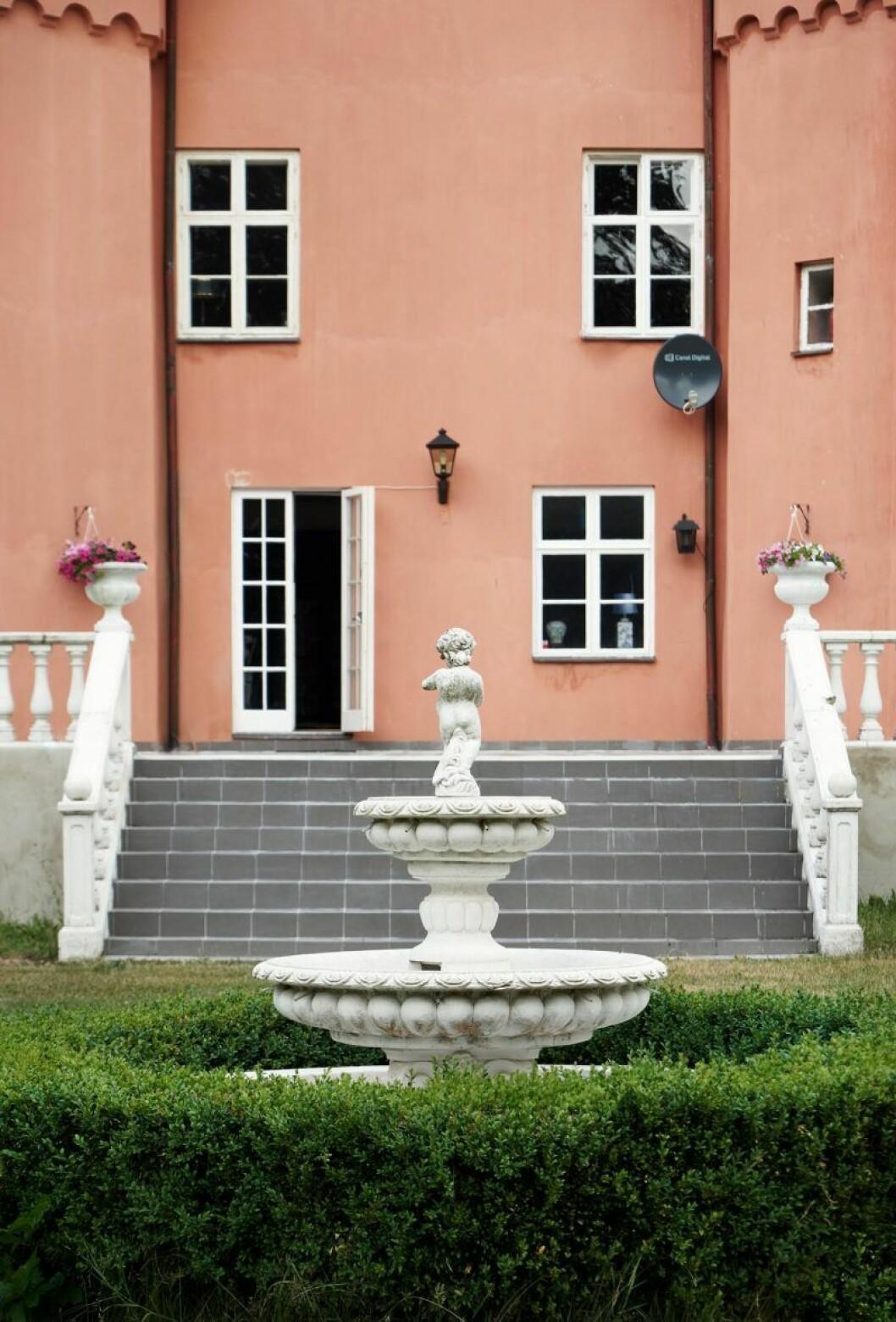 Garsnas slott till salu1
