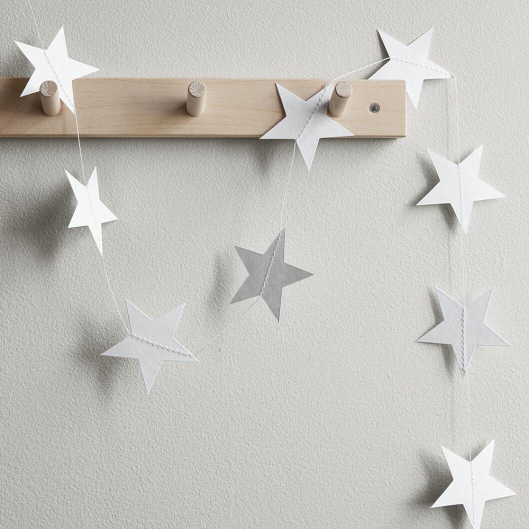 Girlang med vita stjärnor