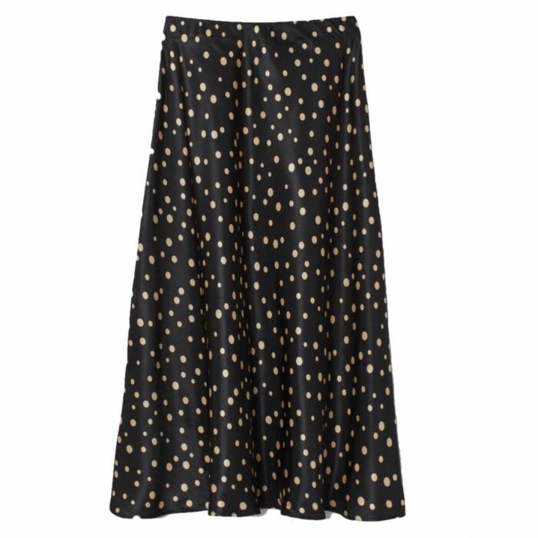 Glansig prickig kjol