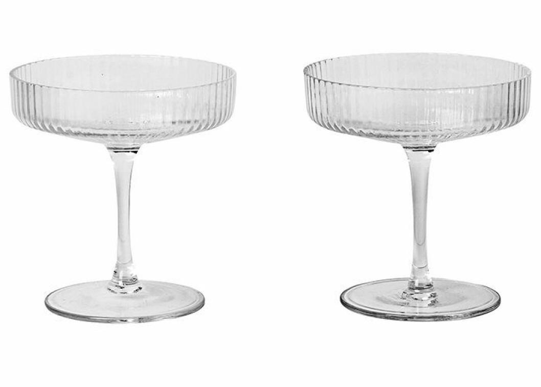 Glas som även fungerar som dessertskål