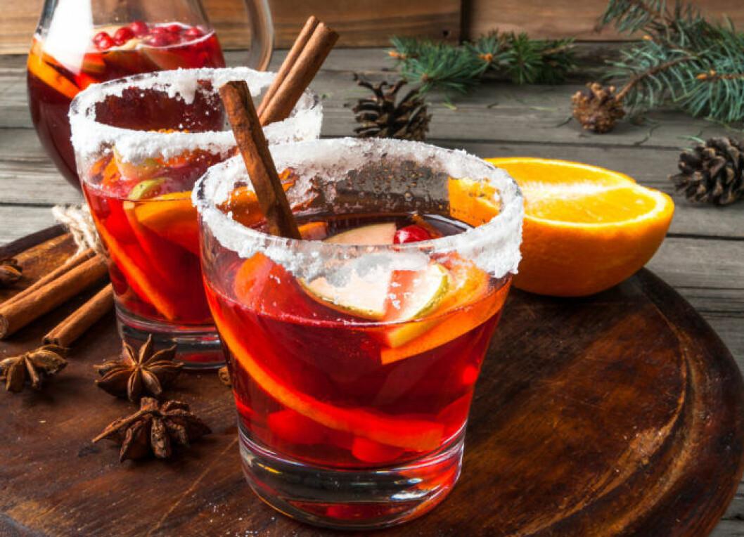 Glöggsangria fungerar fint som bål till glöggminglet eller julfesten.