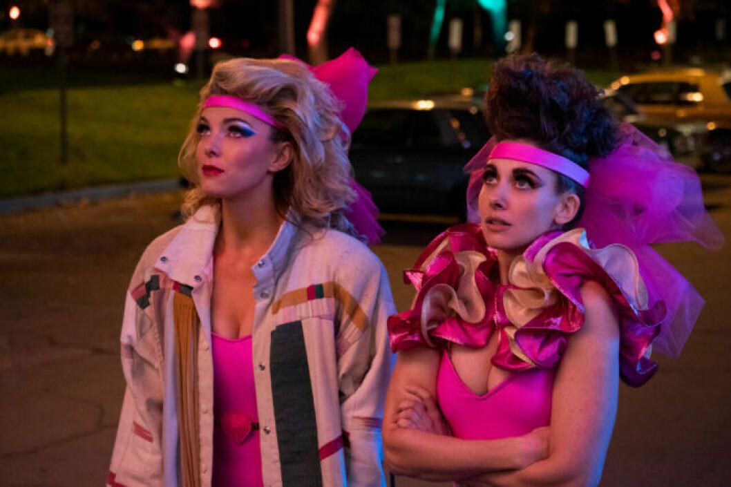 Färgstarka kvinnor i serien Glow.