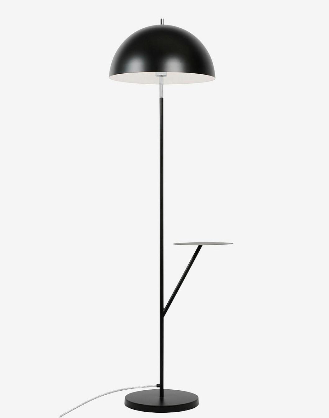 Golvlampa Butler från Globen Lighting