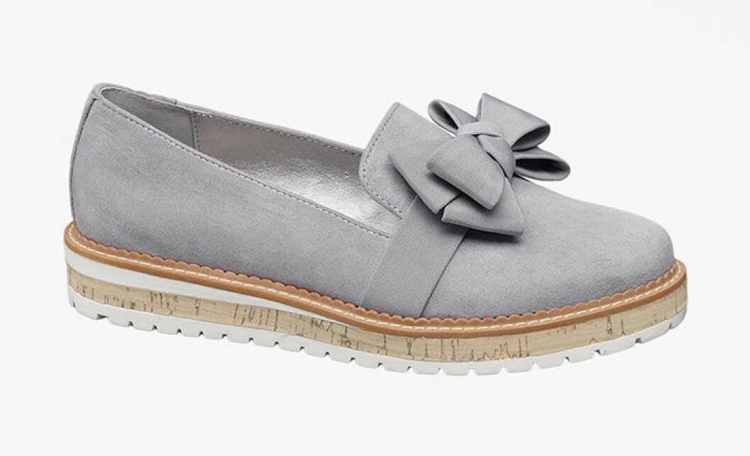 grå loafers från deichmann